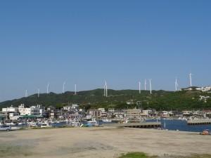 淡路島風力発電の風車を見る01