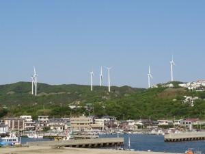 淡路島風力発電の風車を見る02