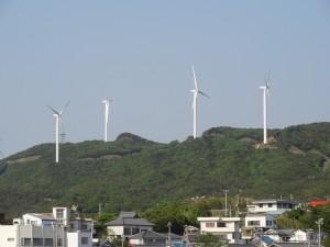 淡路島風力発電の風車を見る03