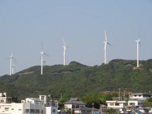 淡路島風力発電の風車を見る04