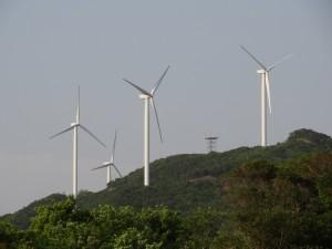 淡路島風力発電の風車を見る07