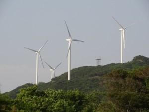淡路島風力発電の風車を見る08
