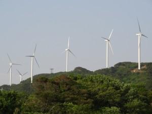 淡路島風力発電の風車を見る11
