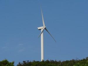 淡路島風力発電の風車を見る12
