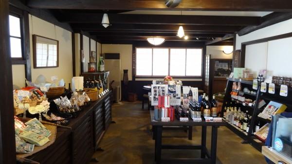 2013-05-05-1055-堀河屋野村-三ツ星醤油-美薗亭-店内-005